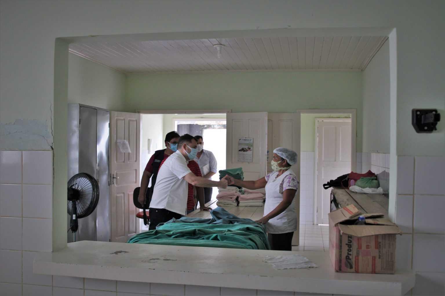Alysson-Bestene-visita-Hospital-de-Xapuri.-Odair-Leal-10-scaled-1-1536×1024